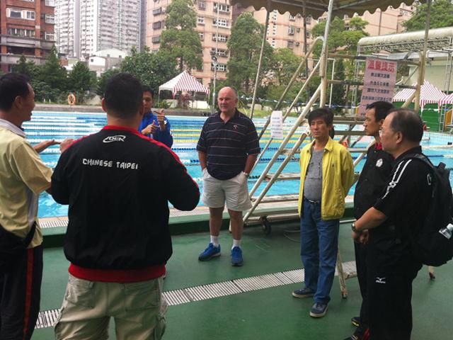 訪視桃園縣立游泳池。此場地為2015年第8屆亞太聽障運動會游泳競賽暫定場地。