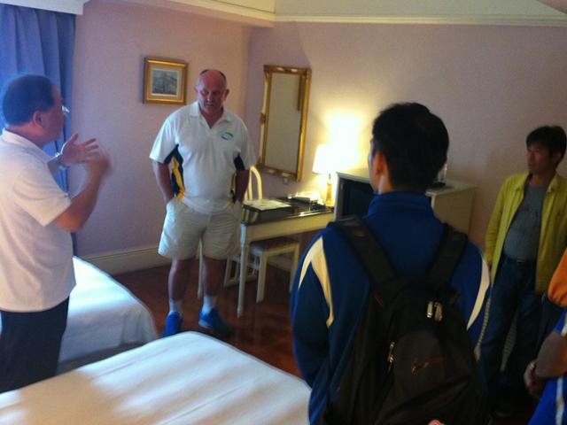 訪視四星級之高雄市麗景大飯店雙人套房。此飯店為2014年亞太聽障羽球錦標賽大會指定之官方飯店之一。